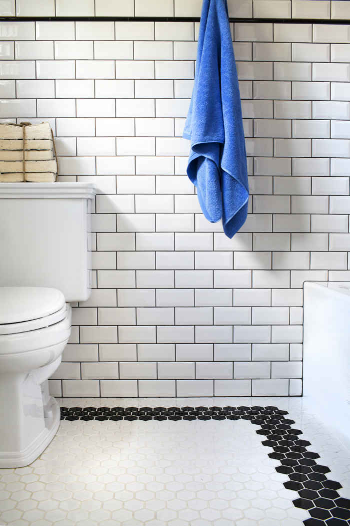 Black And White Bathroom Tile Design