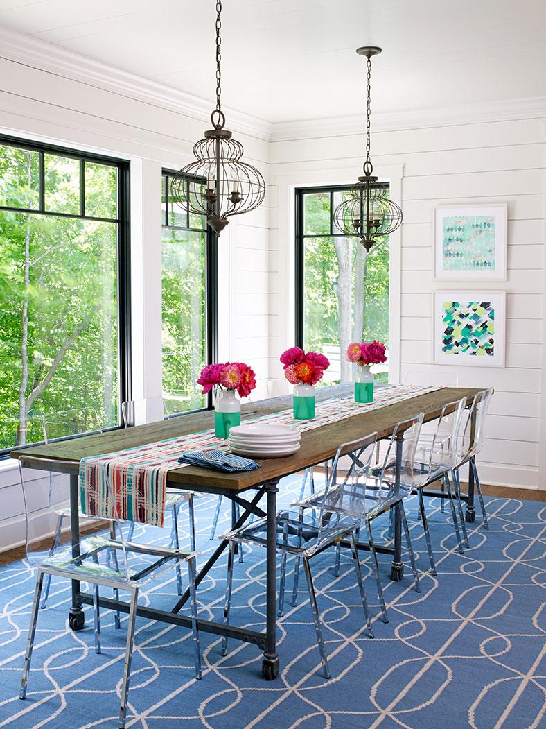 Casual Dining Room Interior Design