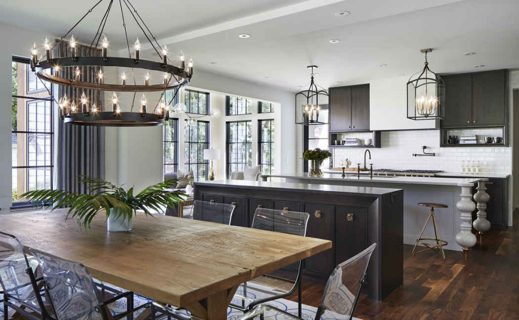 Grand Kitchen Design With Wooden Dining Area