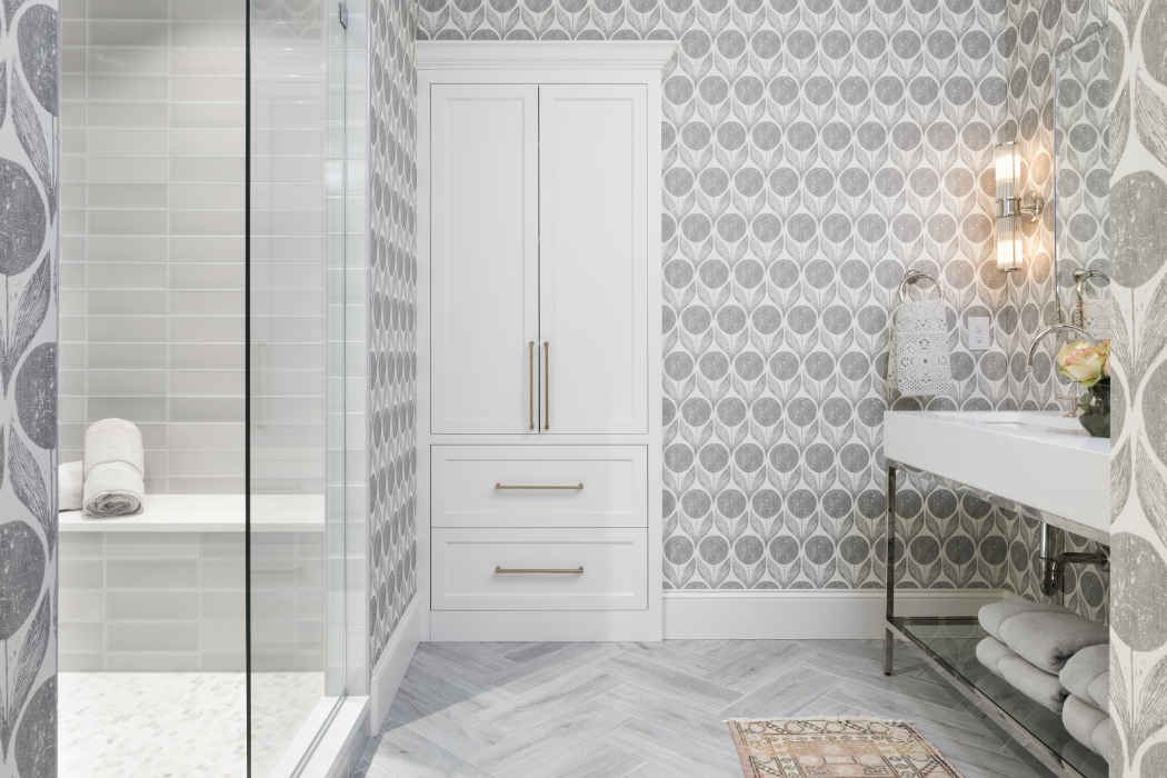 Guest Bathroom Design With Gray Printed Wallpaper