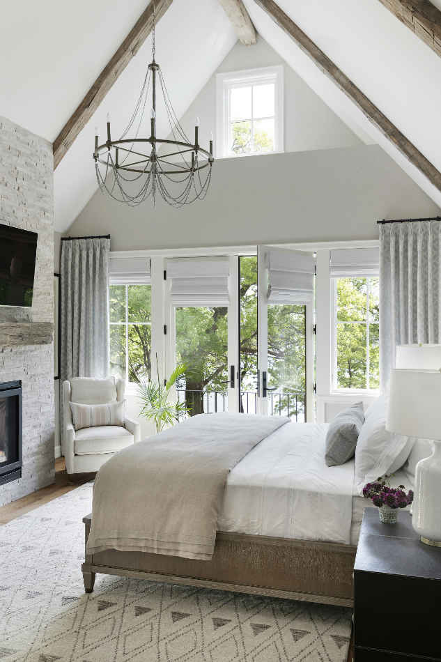 Master Bedroom With Vaulted Ceilings Interior Design