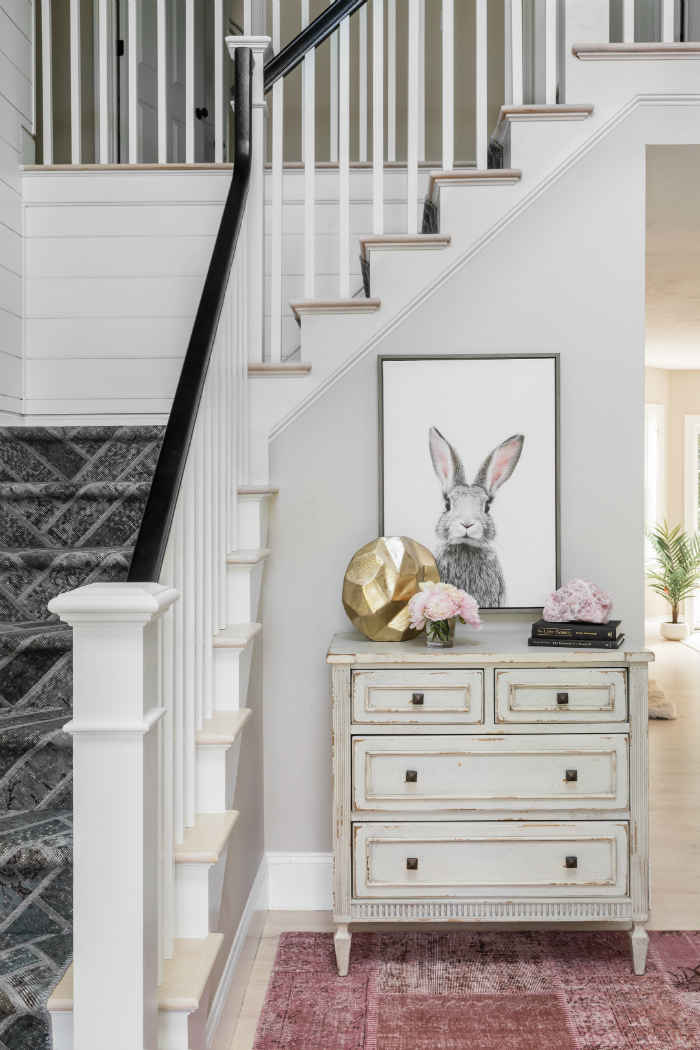Entryway Interior Design With Soft Gray Walls