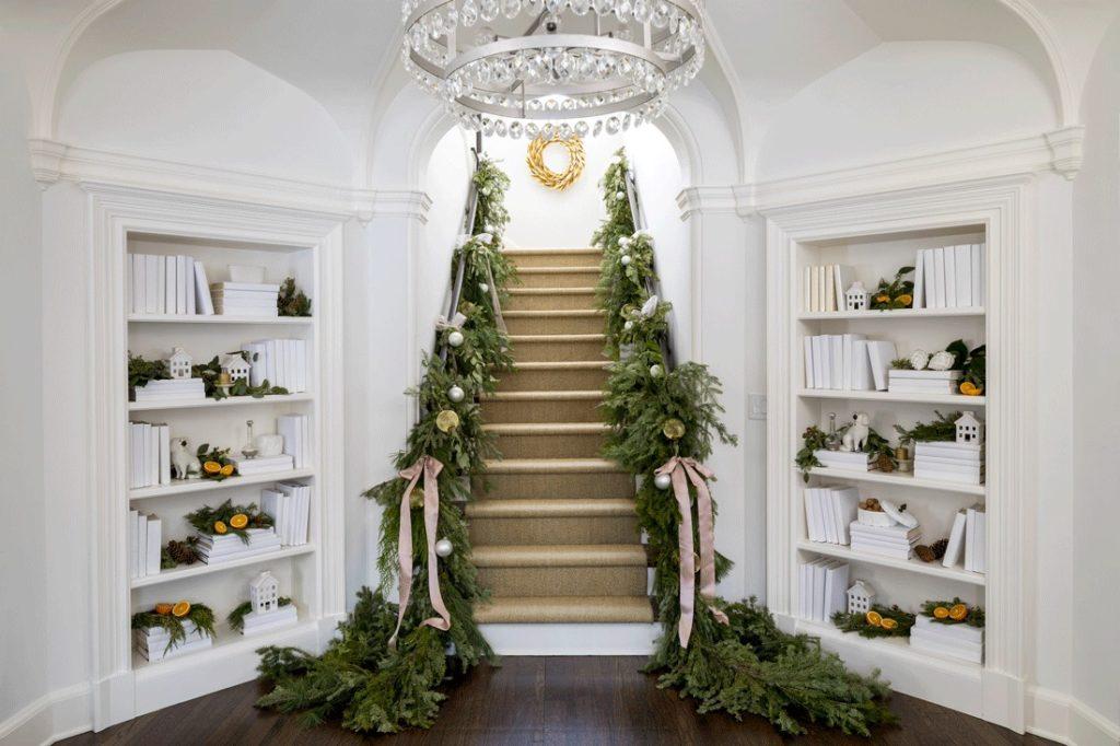 Christmasgreenery Blushpinkandcitrus Staircase Marthaoharainteriors