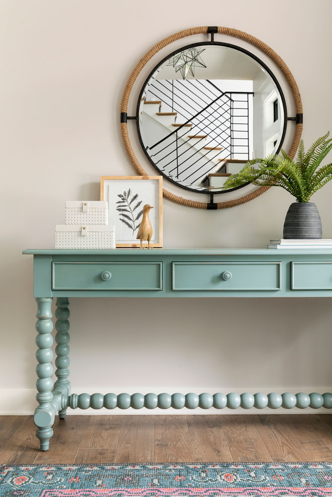 19 Sugar Lake Summer Home Entry Console