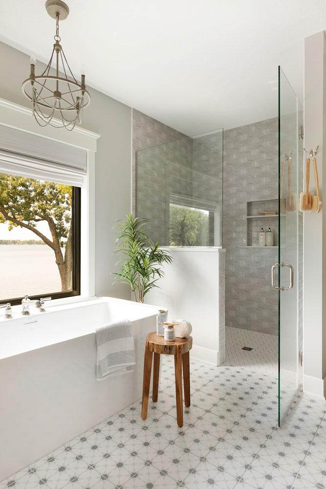 27 Sugar Lake Summer Home Master Bath Tub And Shower