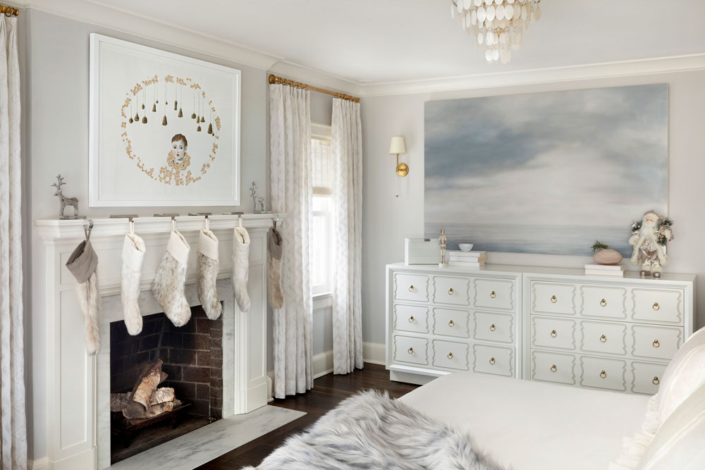 22 Home For The Holidays Master Bedroom
