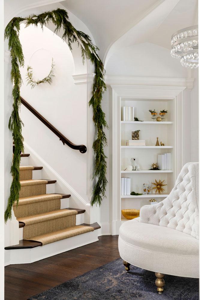 8 Festive Holiday Season Front Entry