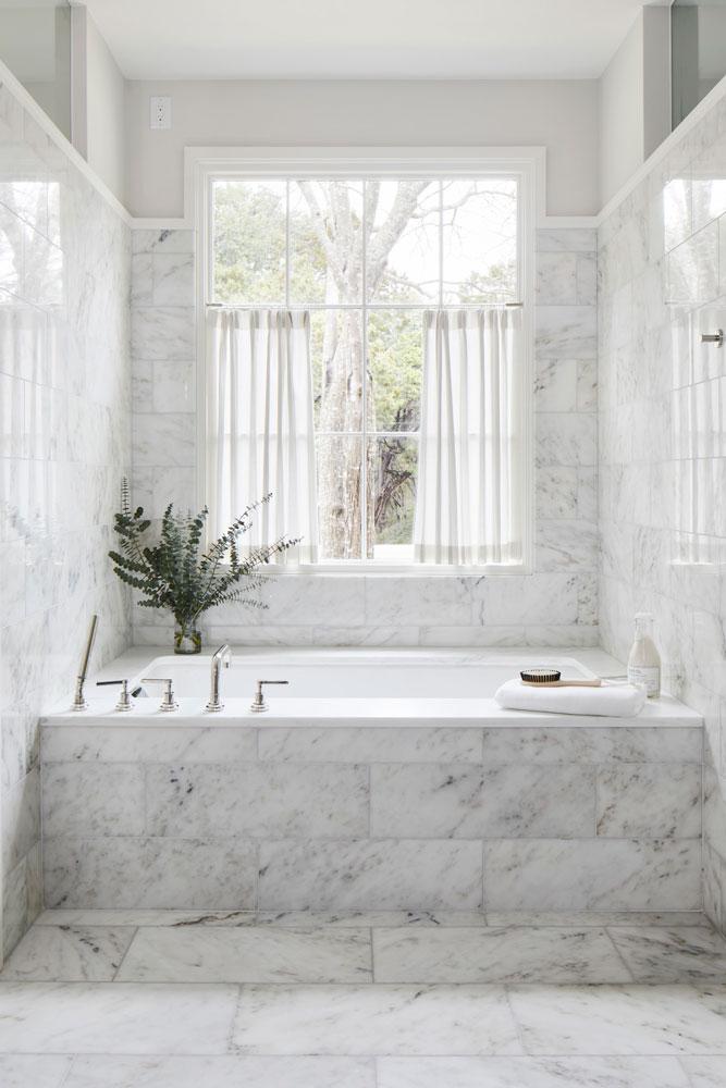 20 Rollingwood Remodel Master Bathtub