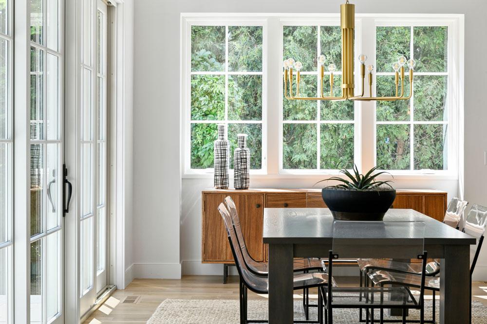 2 Modern Family Home Dining Room